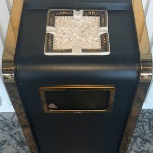 Thùng rác tiền sảnh