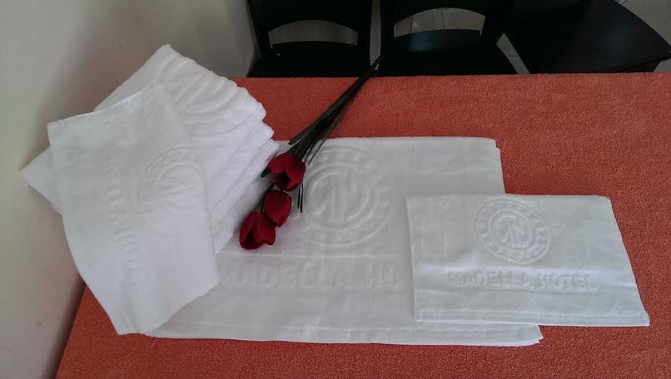 khăn dệt logo