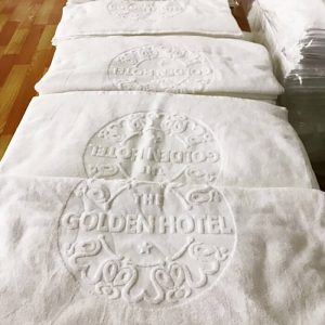 khăn khách sạn dệt logo